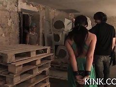 Извращенная фантазия проститутки с бондажом