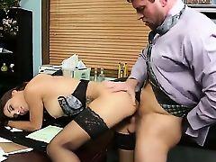 Секретарша Jasmine Caro раком ебется с боссом Preston Parker в офисе