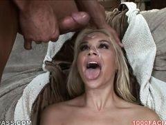 Sarah Vandella трахается с большим членом и получает кончину на лицо