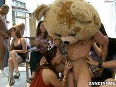 Порно вечеринка становится такой дикой