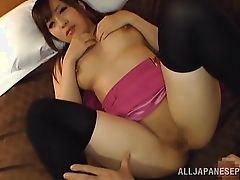 Молодая азиатская шлюха трахается жестко