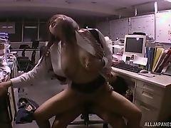Грудастая zпонская леди трахается на работе